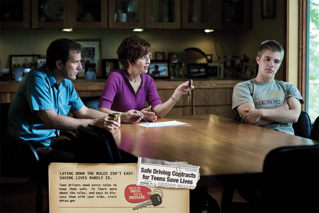 Poster: Safe Driving contracts for teens save lives. press-ready JPG (32 MB)
