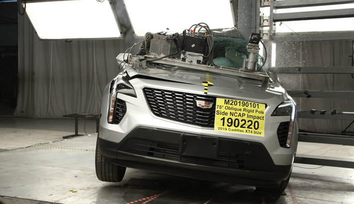 2019 Cadillac XT4 Side Pole Crash Test