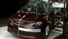 2020 Chrysler Pacifica Side Pole Crash Test